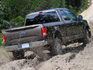 4x4 in mud